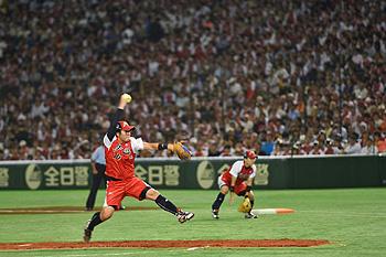 Olympisch kampioen Japan won twee van de drie wedstrijden van de Verenigde Staten.