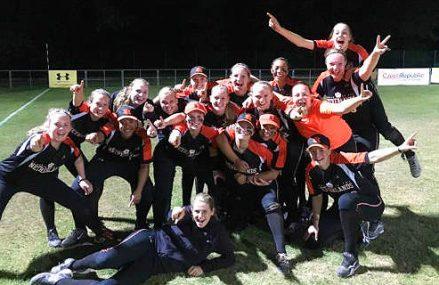 Nederlandse softbalsters in finale EK U22