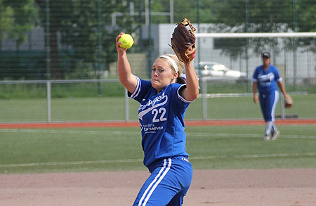 Winnend pitcher Danielle Bonnet.