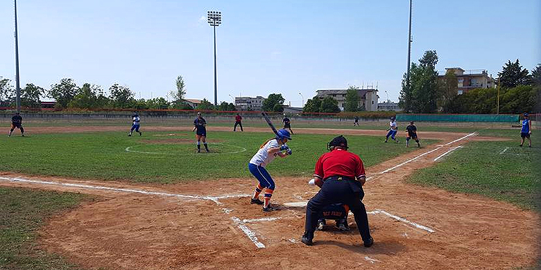 In Caserta wordt deze week gespeeld op een omgebouwd honkbalveld.