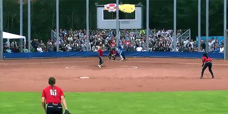 Het Noordersportpark in Haarlem was vanavond volgepakt voor de wedstrijd tussen Terrasvogels en Sparks Haarlem.