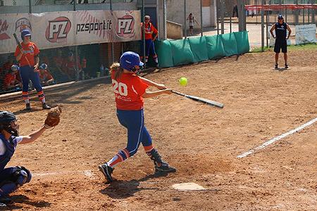Olympia Haarlem kwam tot acht hits.
