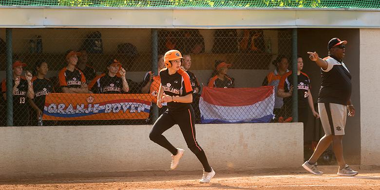 Annemiek Jansen sloeg met een driehonkslag twee van de vier punten voor Nederland over de thuisplaat.